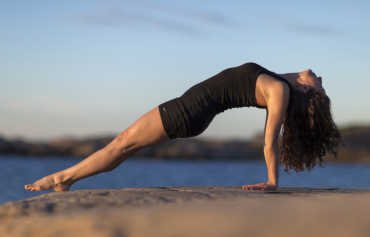Anne Lygner, Yoga, Näsbokroks naturreservat. Foto: Anders Deros